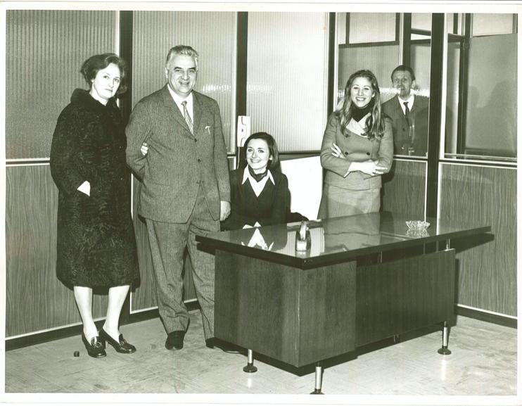 Il fondatore di Vitavigor con le sue dipendenti